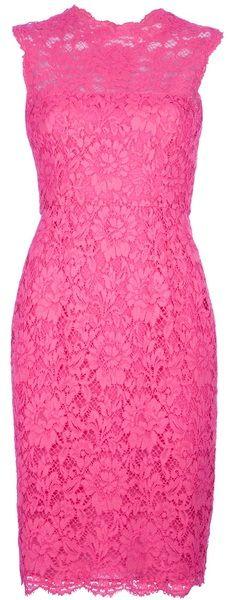 Vestido de renda pink.