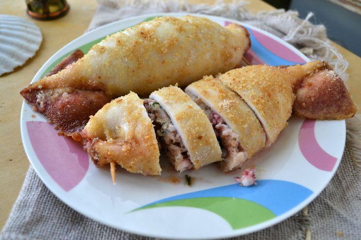 Calamari ripieni al forno una ricetta deliziosa che vi consentira di portare in tavola dei calamari croccanti che faranno impazzire i vostri ospiti!