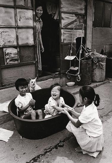 Photo by Kim KI-CHAN / The World of Alleys