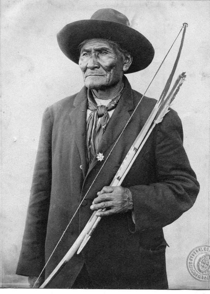 Geronimo lors des jeux olympique de 1904 participa a une parade