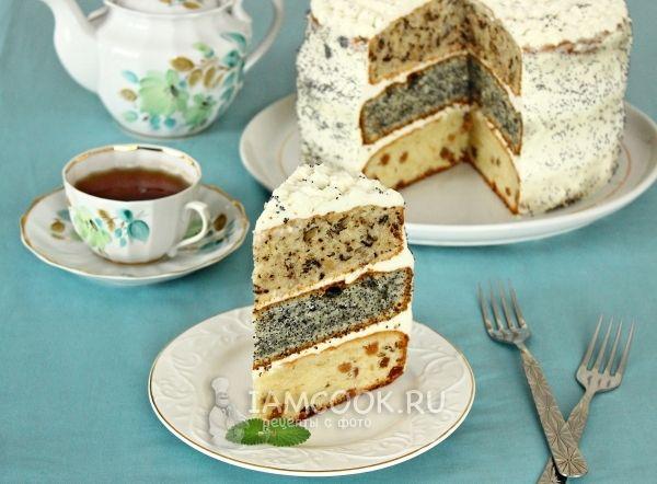 Торт с маком, орехами и изюмом