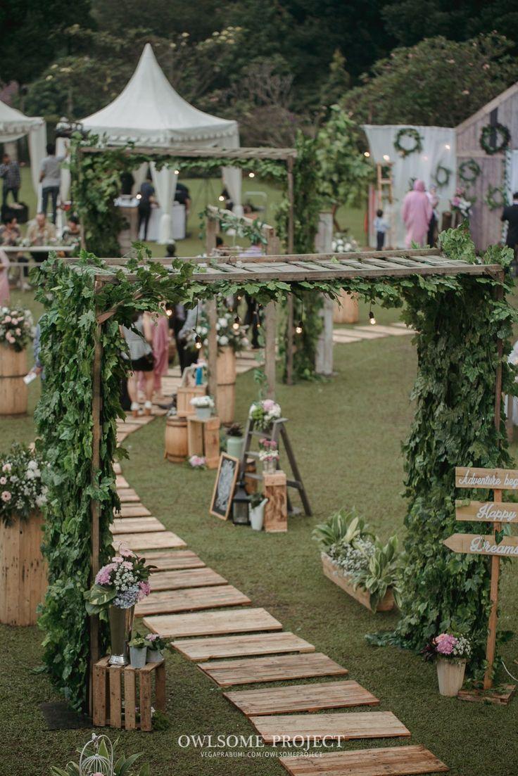 Pernikahan Outdoor ala Dhanita dan Erik di Bumi Sangkuriang - owlsome (300 of…
