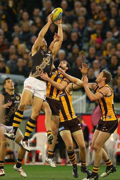 Rnd 18. Tigers devour the Hawks