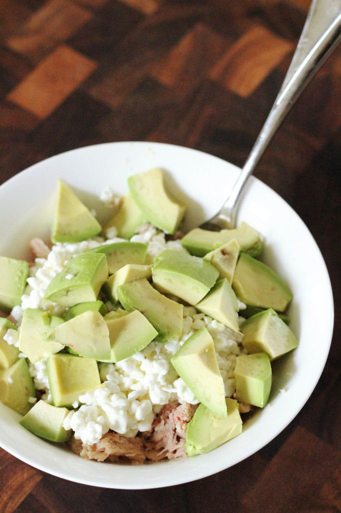 Quick and easy 3 ingredient lunch! Tuna, cottage cheese, and avocado. Sounds weird but it's very healthy, quick, very filling, and delicious.
