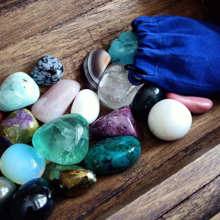 Tumble stone or tumbled stones are small polished crystals. You can store them in a box and carry them in a drawstring bag. #crystalhealing