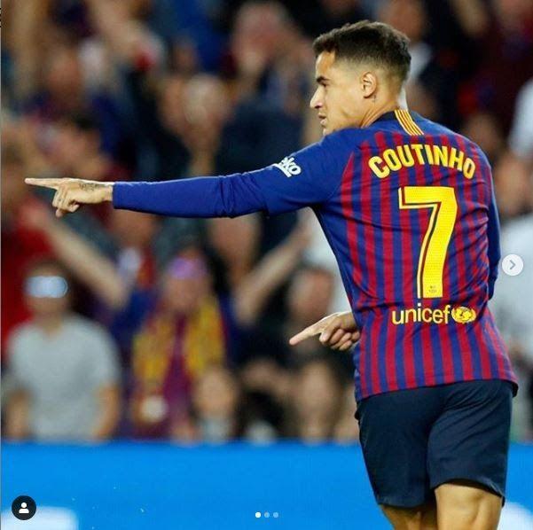 Philippe Coutinho Hairstyle Hiaircut 2019 Pin On يونس Pin On Lfc Arsenal Set To Sign Phillipe Cou In 2020 Philippe Coutinho Soccer Players Haircuts Bayern Munich