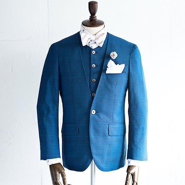 新郎衣装|カジュアルなブルーのチェック柄でノーカラースーツ : 結婚式の新郎衣装に関するお話|カジュアルウェディングまとめ