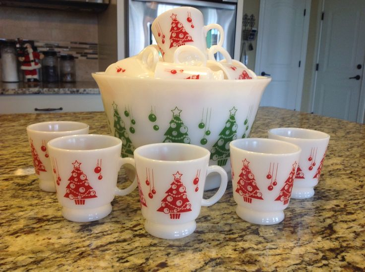 Vintage Hazel Atlas Christmas tree punch bowl and cups