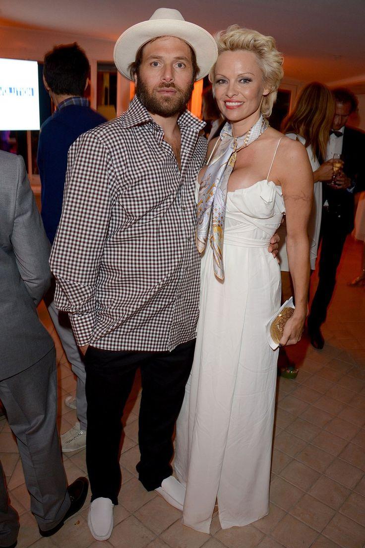 Pamela Anderson files for divorce from Rick Salomon