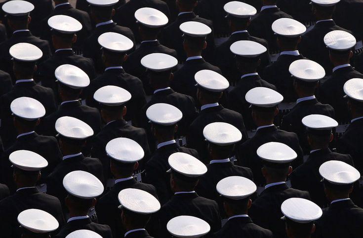 20170124 - Varios soldados indios marchan durante un ensayo general del desfile del Día de la República de Nueva Delhi (India). ADNAN ABIDI REUTERS