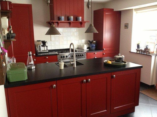 Keuken Bordeaux Rood : Rood is z? mooi, zeker in deze keuken van Manders Keukens te Schaijk