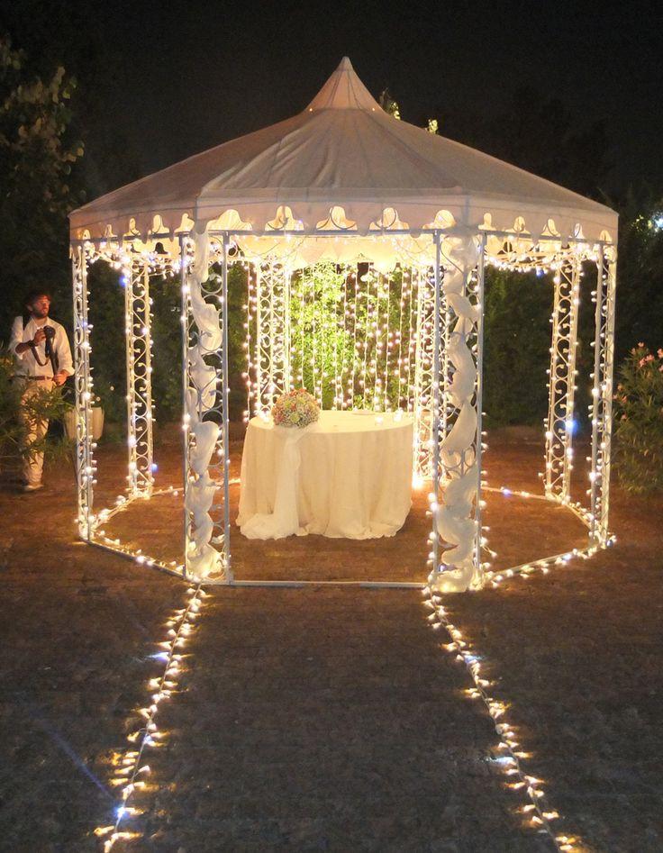 Gazebo Per Matrimonio In Giardino : Allestimento luminoso di eventi wedding gazebo per taglio