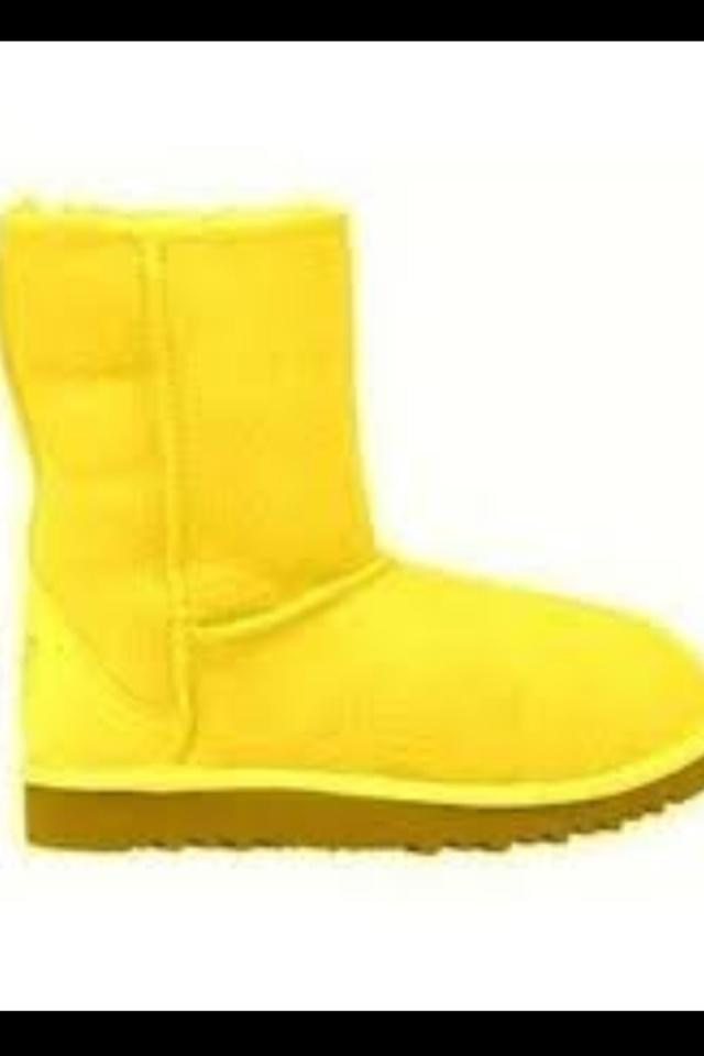 Yellow Uggs | Yellow uggs, Ugg boots, Uggs