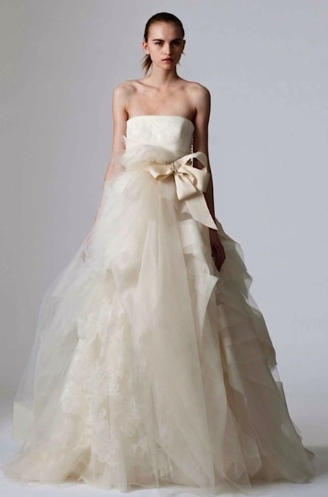 Vera Wang + chiffon skirt + hanbok style = PERFECTION!
