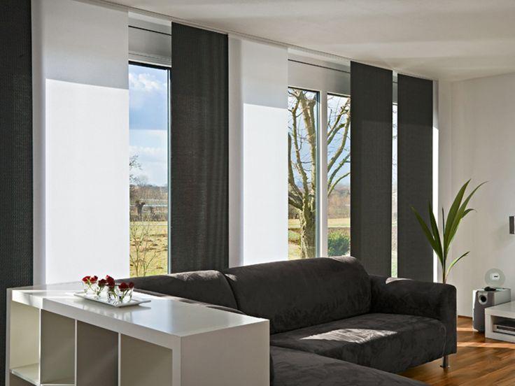 Πάνελς σκίασης του οίκου MHz Γερμανίας με υφάσματα μονόχρωμα ή εμπριμέ, για ολική ή μερική σκίαση, ή διάτρητα που φιλτράρουν τις ακτίνες του ηλίου και προστατεύουν τα έπιπλα χωρίς να εμποδίζουν την θέα. Θα τα βρείτε στο Moketino Living (Κηφισίας 228, Κηφισιά). / MHZ panel blinds perfectly supplement reduced and puristic interior furnishings. They are particularly suitable for floor-to-ceiling windows and large window fronts, in order to dose the incidence of light there.