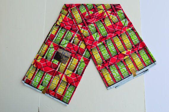 Afrikaanse wax print stof verkocht door de werf. Deze Ankara, West-Afrikaanse stof is 100% katoen. . Deze aanbieding is voor een tuin (36 44). Meer yardage is beschikbaar, als je meer nodig, gelieve mij te contacteren en ik doe een aangepaste aanbieding voor u! Dit materiaal is perfect voor jurken, maxi shirts, blouses en potlood rokken  Specificaties:  1.Vibrant, kleurrijke en inspirerende Afrikaanse wax stoffen. 2.Quality-zeker van zijn, wash kleur niet vervagen. 3.I hebben een grote…
