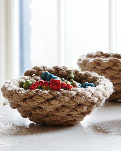 Easy Rope Bowls - http://www.sweetpaulmag.com/crafts/easy-rope-bowls #sweetpaul