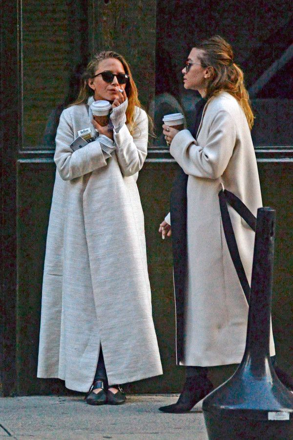 Newlywed Mary-Kate Olsen pairs wedding ring with a smoke | Page Six