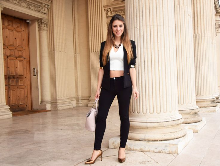 Elegant but Easy outfit in Rome, featuring a Guess bag and Guess blazer.