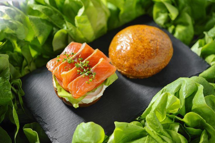 Crispy teriaki salmon on wakame salad #LocalFood www.localthessaloniki.gr