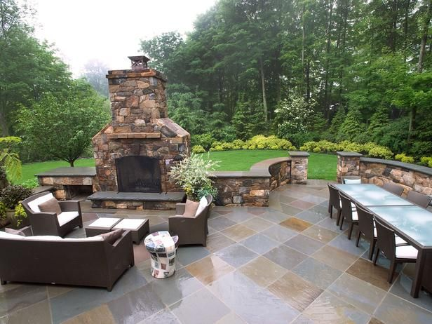 Outdoor Fireplace with Seat Wall