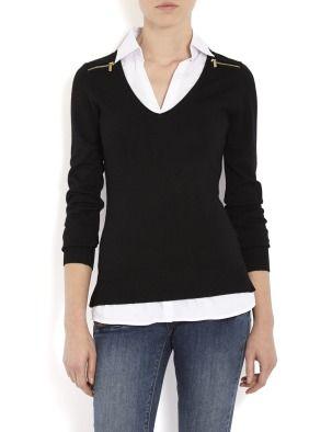 Стильный пуловер с эффектом многослойности. Модель с длинным рукавом и классическим воротником. Приталенный покрой. Две декоративные молнии на линии плеч.