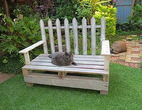 White washed picket fence pallet chair Not2shabby Furniture Catalogue