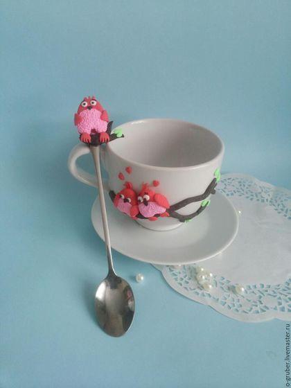 Кружки и чашки ручной работы. Ярмарка Мастеров - ручная работа. Купить Кружка и ложка с влюбленными птичками. Handmade. Ярко-красный
