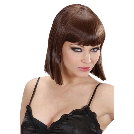 Noemí peluca castaña    Dream hair fashion wig Noemi brown    Peluca de la firma Widmann con las que podrás cambiar cada día el corte, largo o color de tu pelo    Modelo Noemí con corte tipo Cleopatra y flequillo natural