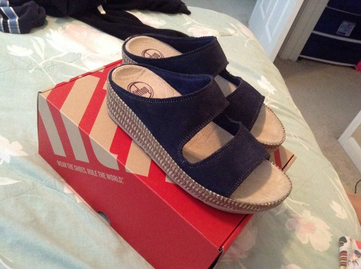 Caffein your feet with Fitflop Lolla slide