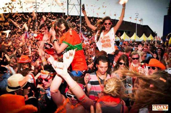 Kingsday Festival. I loveeeee Holland