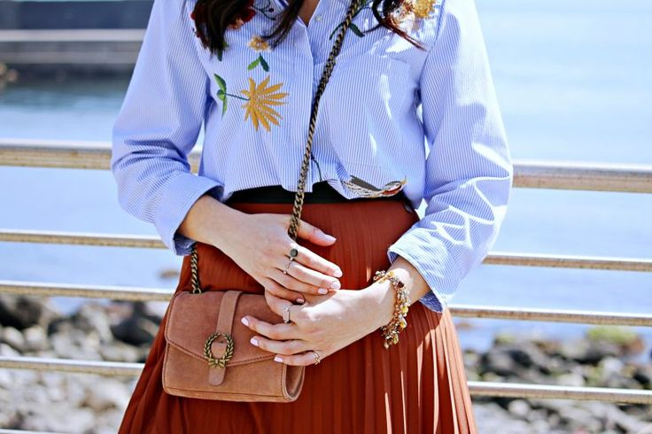 Mid skirt summer outfits #summer #outfits #spring #springoutfits #summeroutfits