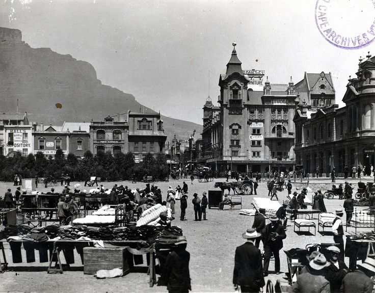 Parade sales in early twentieth-century Cape Town