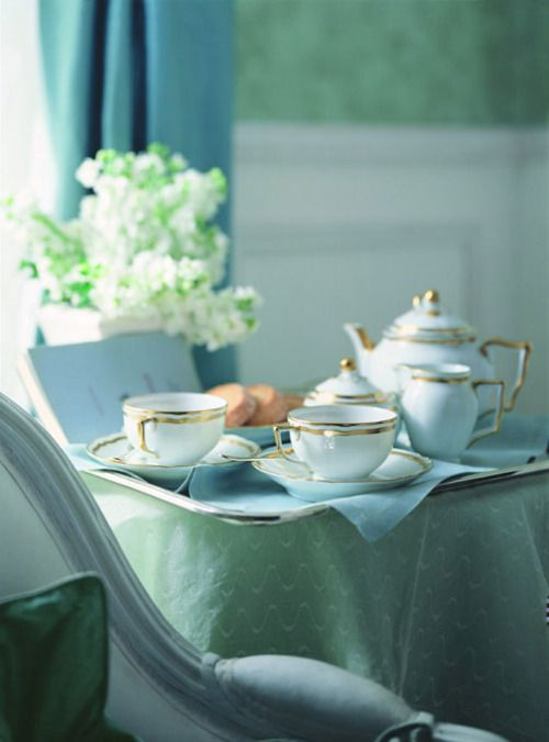 Tea Time in Aqua ~ Ana Rosa