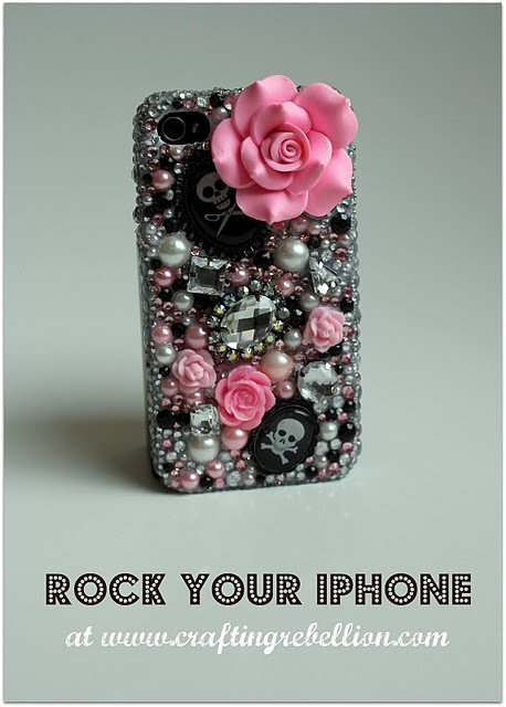 DIY phone cover-I think I've pinned this before, but I want one soooooo bad! And I know that if I make one then it sure won't end up this cool!