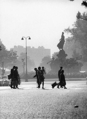 Avenue Philippe Auguste  1972 |¤ Robert Doisneau | 18 mai 2015 | Atelier Robert Doisneau | Site officiel