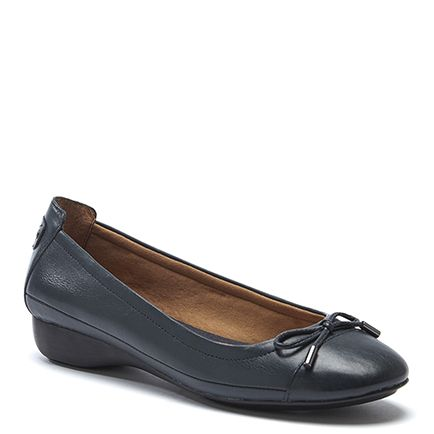 EMBARK BOW TRIM BALLET FLAT - Dark Blue Tried on in different colour. I think i liked this shoe but not the colour (brown i think)