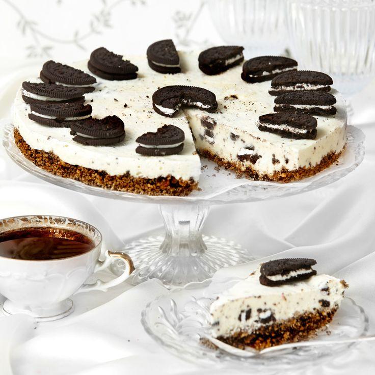 Gillar du Oreokex är denna Oreocheesecake verkligen något för dig. Kex både i bottnen, i fyllningen och som garnering.