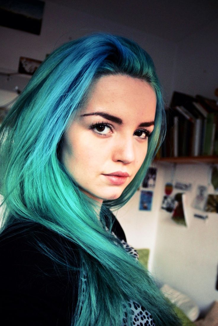 teal & turquoise hair