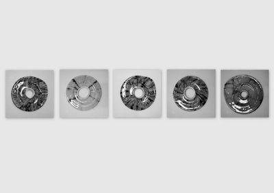 De Essentie, zwart/wit - Yvon Feenstra bewerkte foto van glazen elementen diverse afmetingen mogelijk kijk op www.glassbyyvon.com