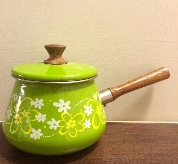 Retro Fondue Pot Green Flowers with Wood Handle