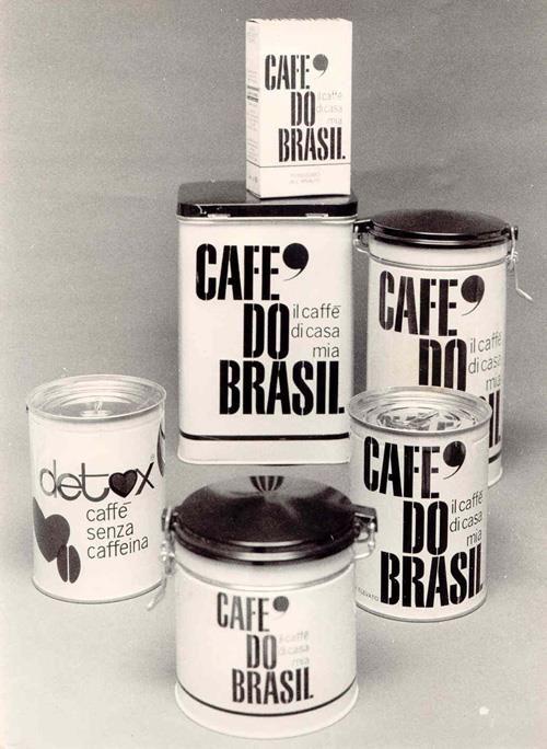Negli anni Sessanta, nel pieno di quel boom economico che entusiasma il paese, il mercato del caffè giunge ad una svolta epocale: nuovi sistemi di confezionamento consentono la vendita del prodotto in lattina.  I fondatori intuiscono l'importanza di questa innovazione che permette una migliore conservazione del prodotto ed una sua più ampia diffusione.  #coffee #vintage #adv
