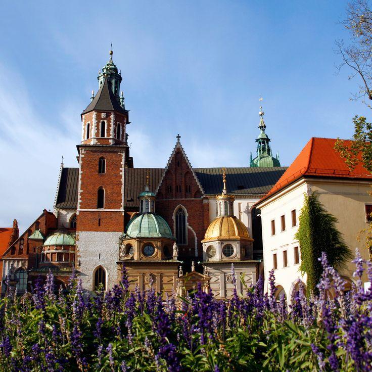Krakow er for dig der elsker Prag og Wien. Læs mere om Krakow her: http://www.apollorejser.dk/rejser/europa/billige-rejser-til-krakow Find din næste storbyferie her: http://www.apollorejser.dk/rejser/storbyferie