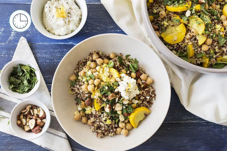 Salade Tiède de Quinoa et de Maïs à la Courge d'Été, à la Ricotta et à la Menthe