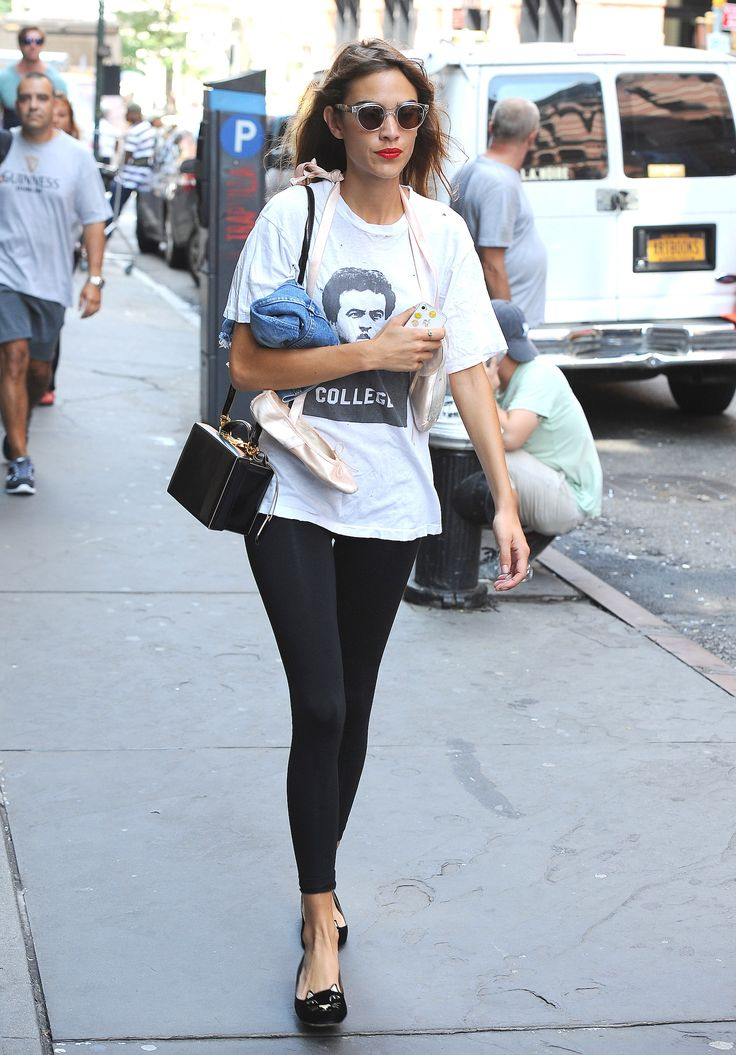 17 Celebrities Who Wear Leggings as Pants  - ELLE.com