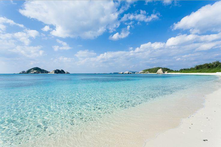 1- On commence par le Japon et Aharen Beach. Si le pays n'est pas forcément réputé pour ses plages, celle-ci vaut vraiment le détour avec son sable blanc et sa très faible fréquentation. Pour la découvrir, rendez-vous à Tokashiki Island.