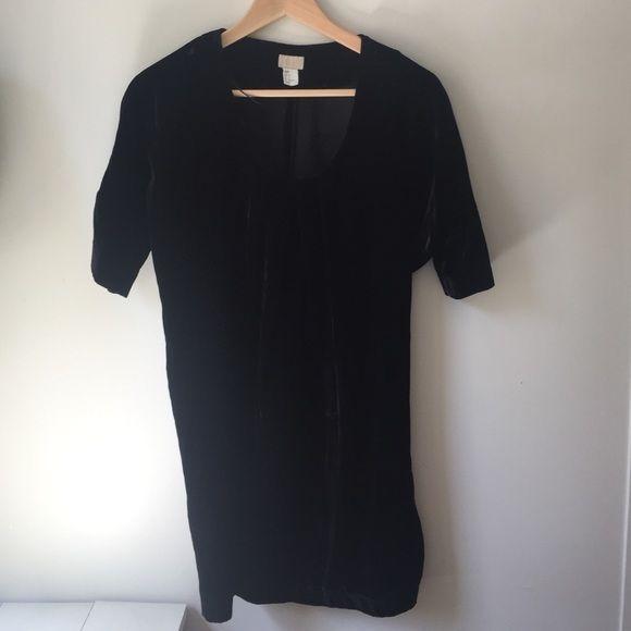 H&M black velvet short dress! Black short sleeve velvet dress H&M Dresses Mini