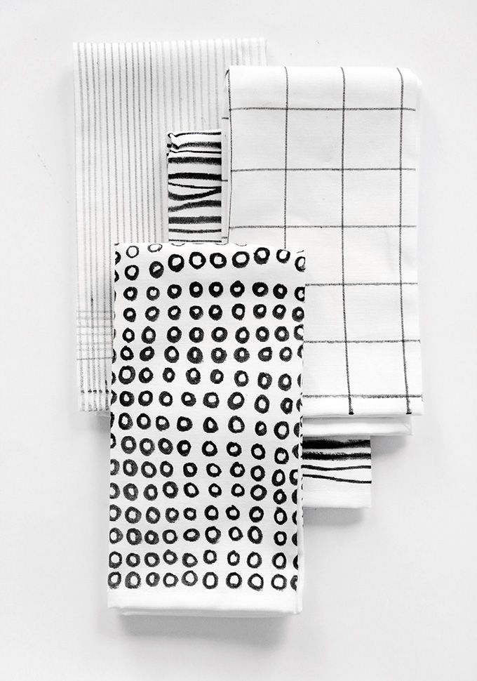 DIY illustrated napkins using fabric markers; black & white textile print design