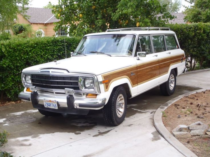 vintage jeep grand wagoneer  perfect!