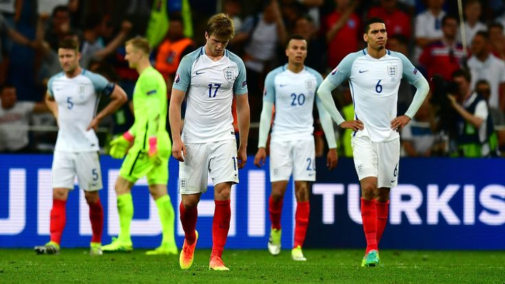 England players look dejected at the end of their UEFA EURO 2016 Group B match against Russia